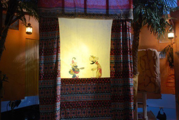 A different view of the travelling shadow puppet theatre