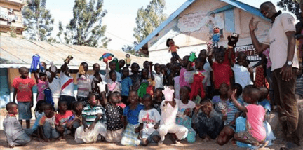 A recent puppet session run by George in Korogocho